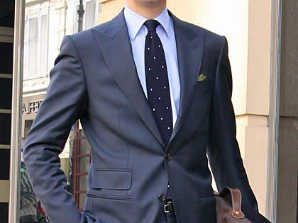 London_Peaked_Lapel_Suit_02.jpg
